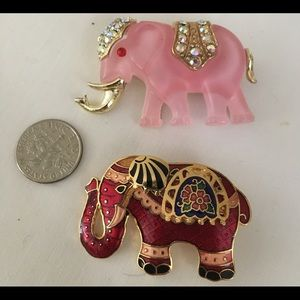 Bundle of Two elephant pins.